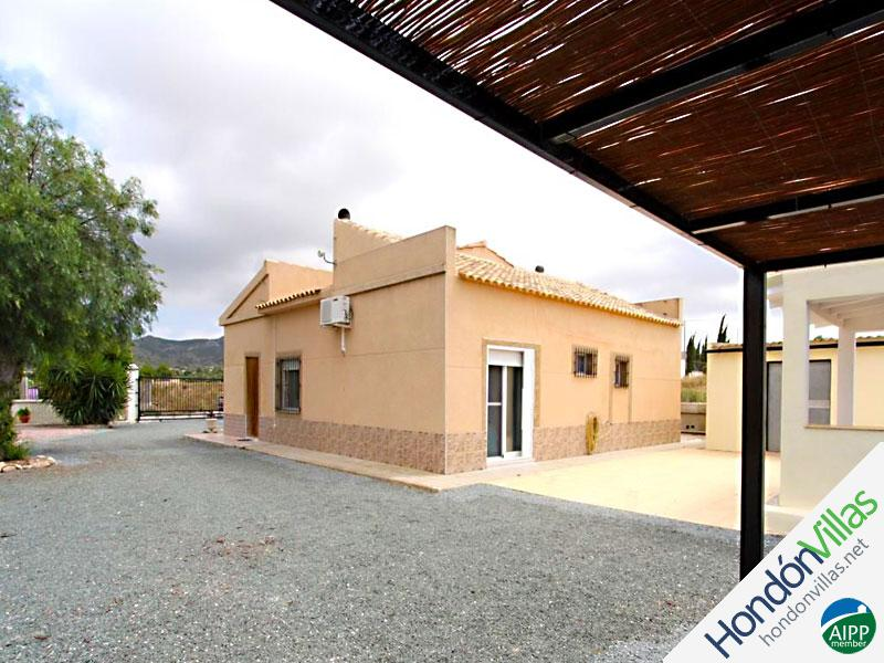 ID# 993Q ©2021 Property and Villas for Sale in Hondon