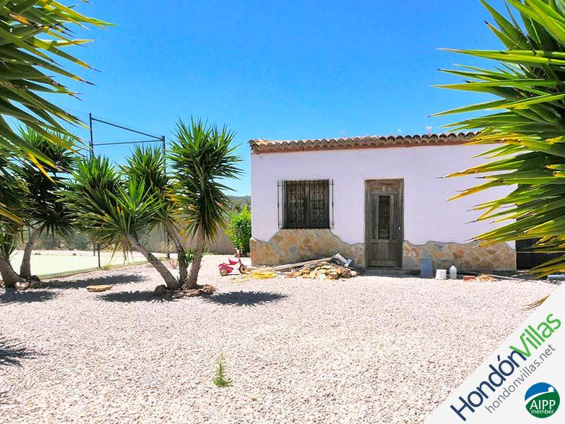 ID# 519O ©2021 Property and Villas for Sale in Hondon