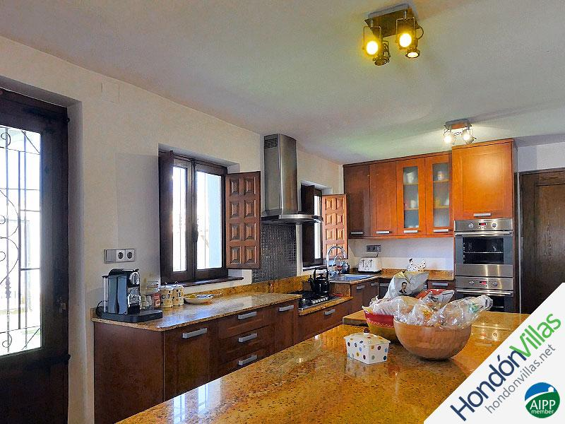 ID# 519ZE ©2021 Property and Villas for Sale in Hondon