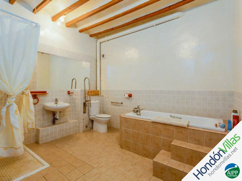 ID# 726F ©2021 Property and Villas for Sale in Hondon