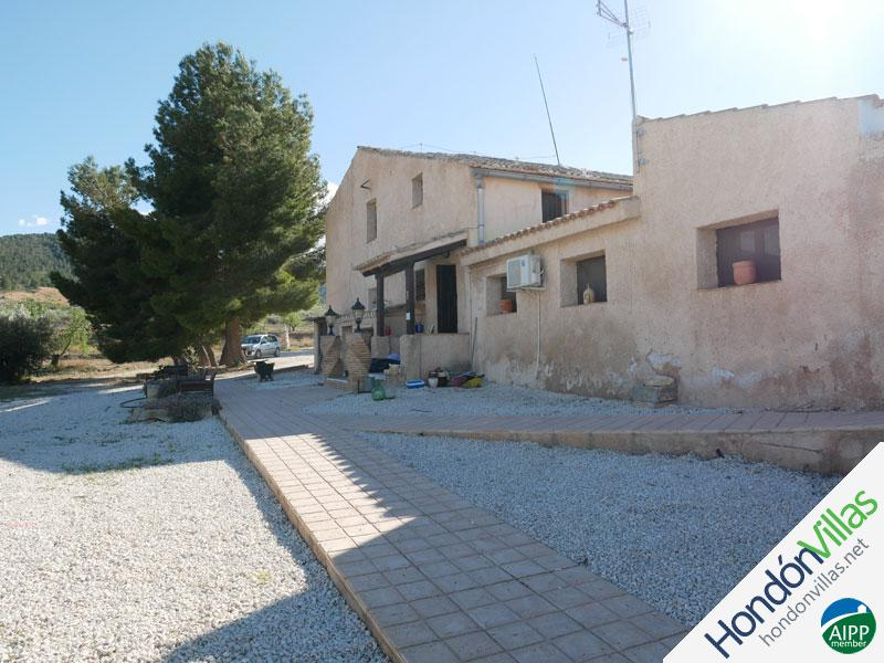 ID# 726S ©2021 Property and Villas for Sale in Hondon