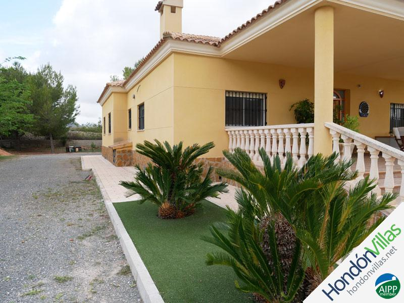 ID# 787Z ©2021 Property and Villas for Sale in Hondon